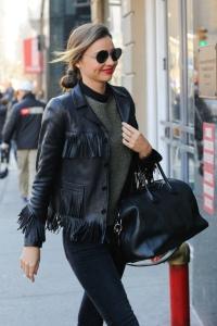 Miranda-Kerr-souriante-le-11-decembre-2013-a-New-York_exact1024x768_p